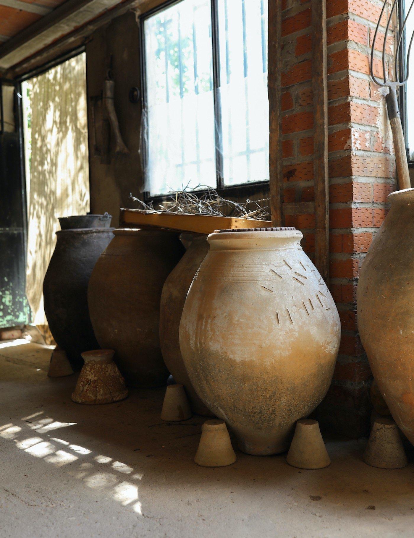 Cerámica de Priego. piezas artesanales pintadas a mano