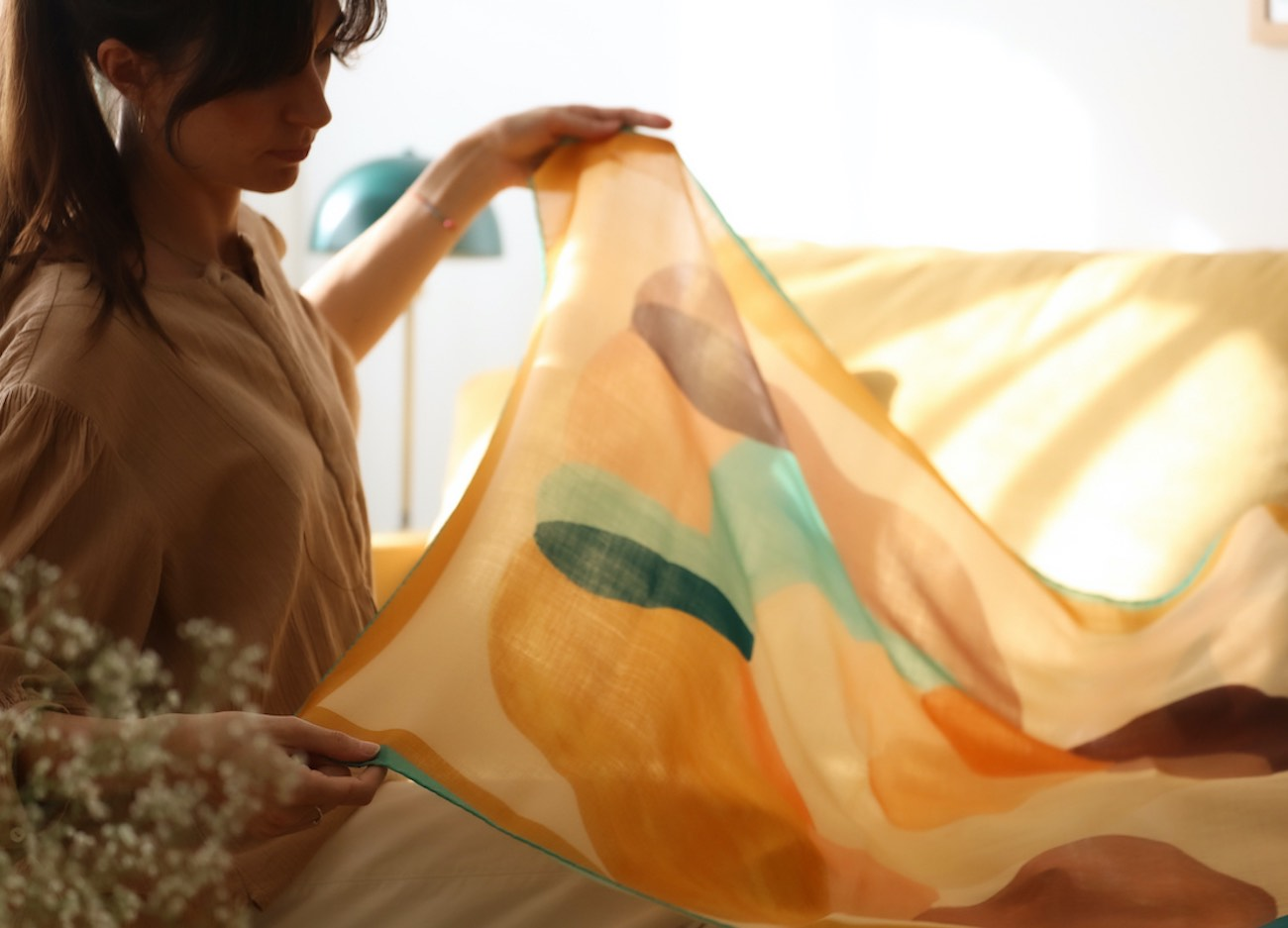Pañuelo en seda italiana y lana Ingles. Almudena Laborda
